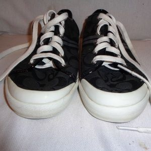 COACH Polly Signature Cloth Sneaker Shoes 9 1/2